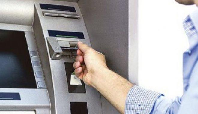 Cine foloseşte mai mult serviciile bancare - cineutilizezacelmaimultserviciil-1611331810.jpg