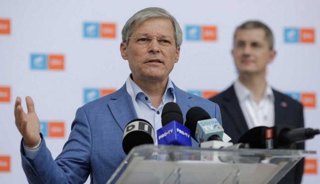 Cioloș, după primul tur al alegerilor din USR PLUS: Nu m-am așteptat la acest rezultat. Dacă voi câștiga, îmi depun mandatul în 2023 - ciolos-1632403954.jpg