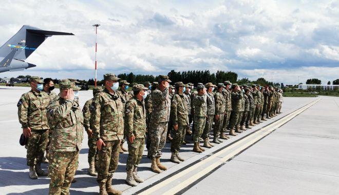 Al doilea contingent de militari români s-a întors acasă, din Afganistan - contingentafganistan4-1621866554.jpg