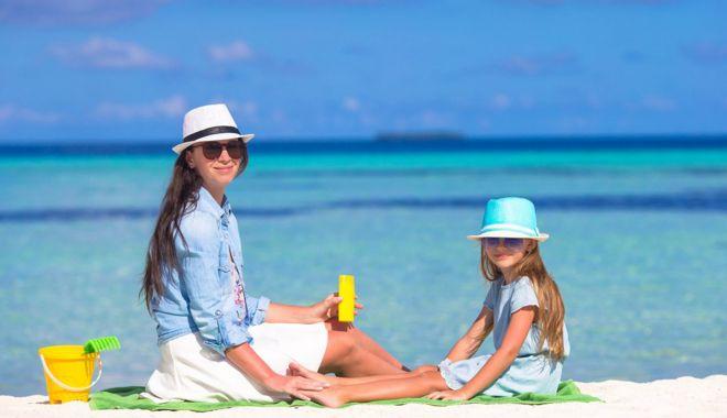 Cremele de protecţie solară pot fi mai cancerigene decât expunerea la soare - cremeledeprotectie-1628797970.jpg