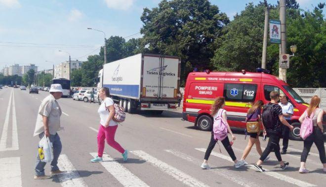 Consilierul local USR-PLUS Cristiana Popescu semnalează problemele pietonilor din Constanţa - cristianapopescupietoni-1624376068.jpg