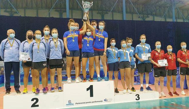Foto: CS Farul Constanţa, vicecampioană naţională la tenis de masă