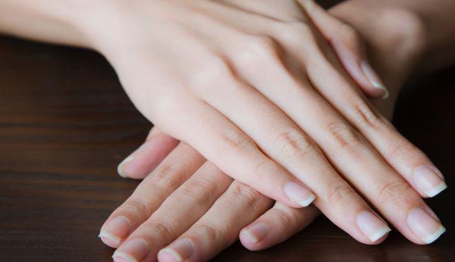 Culoarea unghiilor poate indica o eventuală problemă de sănătate - culoareaunghiilor-1622829253.jpg