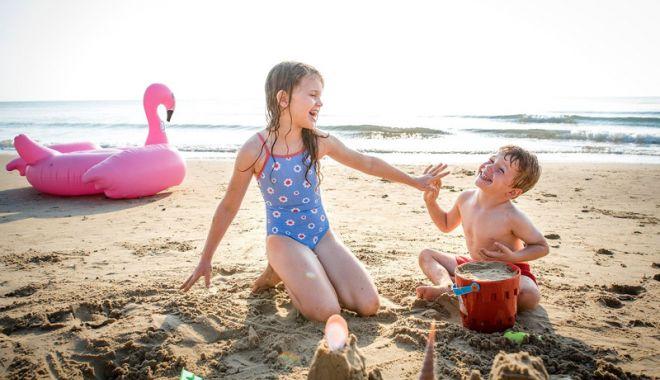 Cum mergem cu copiii în vacanţă, în ţări de risc epidemiologic - cummergem-1626976626.jpg