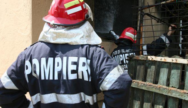 Incendiu la un complex balnear din Costinești - cumpanapompieriincendiusinucider-1626760700.jpg