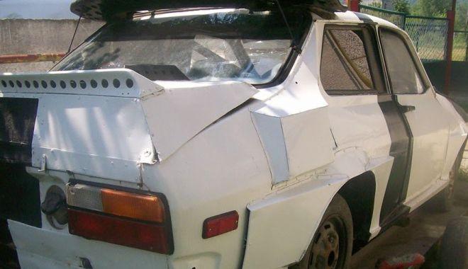 La fel de îndrăgit precum Niki Lauda sau Ayrton Senna. Pilotul de legendă de pe Dacia Sport Turbo - dacia2-1536141682.jpg