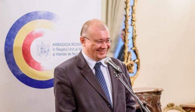 Foto: Dan Mihalache și Adrian Cioroianu, rechemați de Iohannis din posturile de ambasador