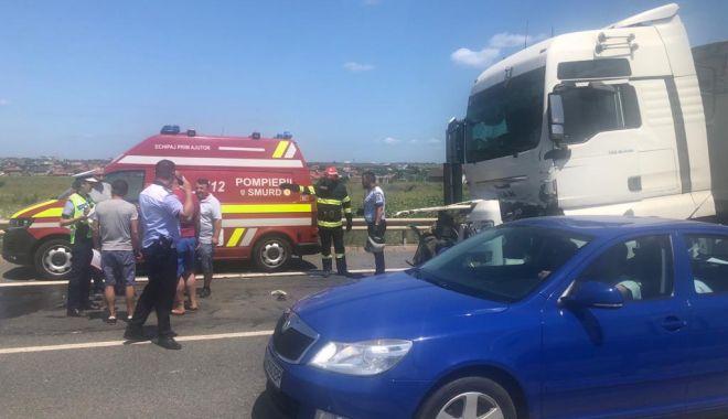 FOTO. TRAFIC RESTRICȚIONAT pe Autostrada A4. TREI CAMIOANE implicate într-un accident! - dbe2e38b5ed2480db3b3a2ce38db30a1-1626867052.jpg