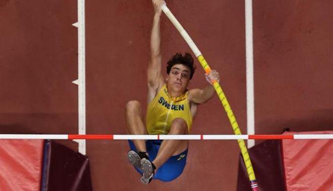 Foto: Nou record mondial la săritura cu prăjina, stabilit la Glasgow