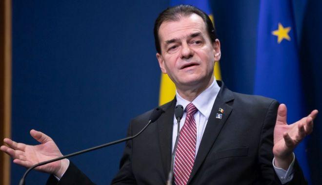 Foto: Premierul recomandă românilor din străinătate să evite deplasarea în țară