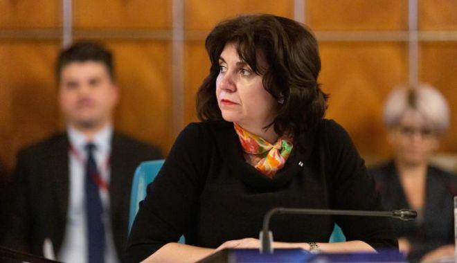 Foto: Olimpiadele școlare, suspendate de Ministerul Educației