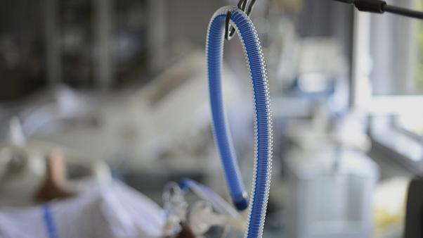 Foto: Un asistent medical a murit în urma infectării cu coronavirus
