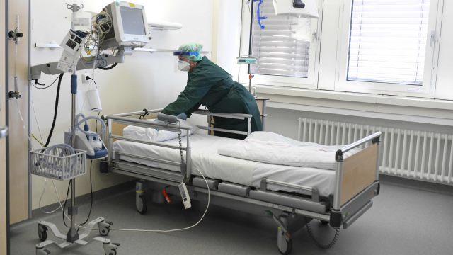 Foto: Încă șase persoane au murit în urma infectării cu coronavirus. Bilanțul total ajunge la 723 de morți