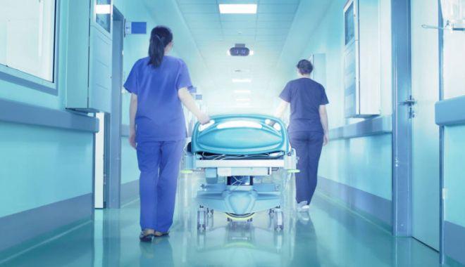 Foto: Bilanțul morților din cauza COVID-19 a ajuns la 387. Un bărbat de 39 de ani, cea mai tânără victimă