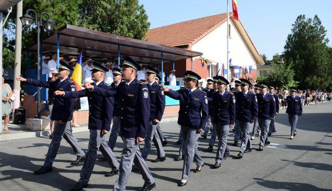 Festivităţi de deschidere a anului şcolar în instituţiile militare de învăţământ preuniversitar şi postliceal - deschiderea-1631266137.jpg