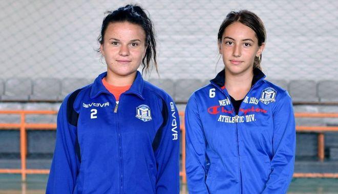 Foto: Două luptătoare de la CS Medgidia, selecționate de federație