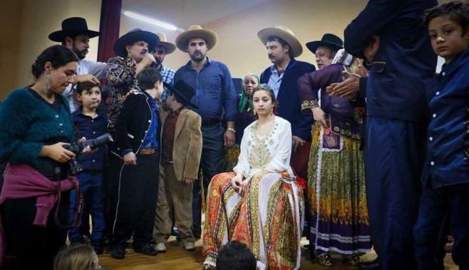 Două surori românce din Spania au fost vândute pentru căsătorie - douasurori-1626459828.jpg