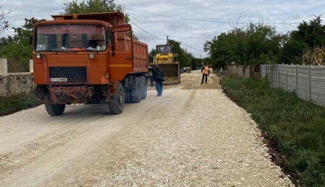 Drumul judeţean 393, de la Techirghiol până la frontiera cu Bulgaria, va fi gata la finele lui noiembrie - drumuljudetean-1632220828.jpg