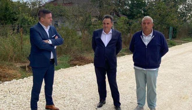 Drumul judeţean 393, de la Techirghiol până la frontiera cu Bulgaria, va fi gata la finele lui noiembrie - drumuljudetean1-1632220853.jpg