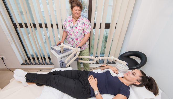 Vă dor umerii? Scăpați de dureri cu ajutorul fizioterapiei - durerideumeri1-1625754542.jpg