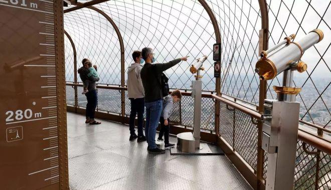 Turnul Eiffel s-a redeschis pentru public - eiffeltowertopfloor-1626428994.jpg