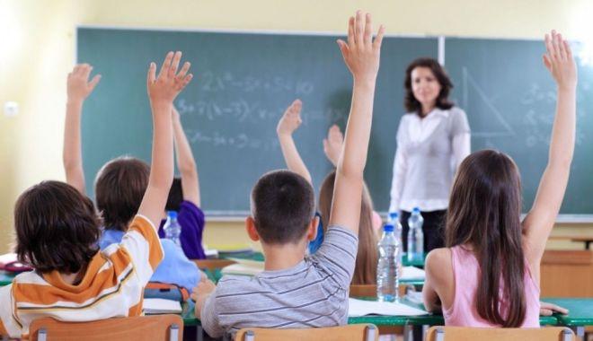 Foto: S-a luat decizia! Se ÎNCHID școlile și liceele din toată România. Când intră în vigoare măsura extremă