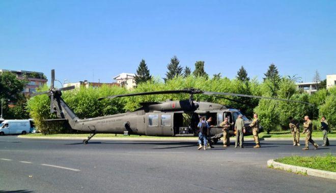 GALERIE FOTO / Elicopter Black Hawk, aterizare de urgenţă într-un sens giratoriu din București - eli1-1626335755.jpg