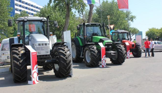 59 de firme la Expoagroutil 2012 -  cea mai mare expoziție din provincie dedicată agricultorilor - expoagroutil-1339603409.jpg