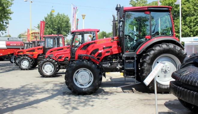 59 de firme la Expoagroutil 2012 -  cea mai mare expoziție din provincie dedicată agricultorilor - expoagroutil1-1339603350.jpg