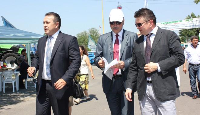 59 de firme la Expoagroutil 2012 -  cea mai mare expoziție din provincie dedicată agricultorilor - expoagroutil3-1339603370.jpg