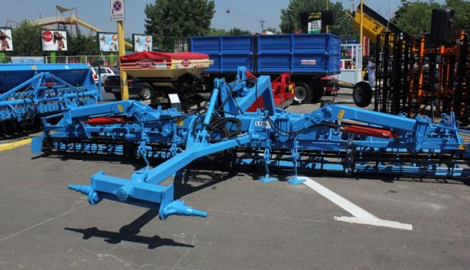 59 de firme la Expoagroutil 2012 -  cea mai mare expoziție din provincie dedicată agricultorilor - expoagroutil5-1339603386.jpg