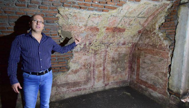 """Bazilica de la Liceul """"Mihai Eminescu"""", în pericol! """"Putem pierde fresca"""" - fond-1602265583.jpg"""