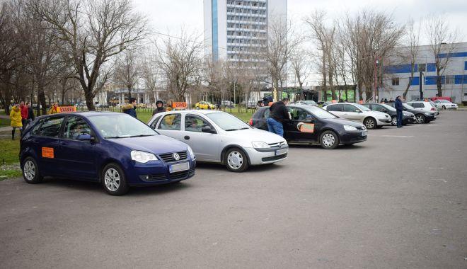 Teste de răbdare pentru viitorii șoferi din Constanţa. Cât trebuie să aștepte pentru un permis auto! - fond-1604604837.jpg