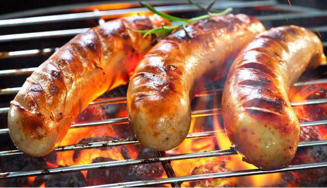 Brexitul are efecte şi în bucătării. Cârnaţii englezeşti ar putea fi interzişi în Irlanda de Nord - fond-1623327942.jpg
