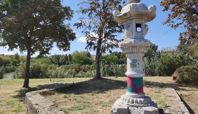 Dezastrul din Parcul Tăbăcărie: de la iarba uscată, la monumente distruse! - fond6-1631553503.jpg