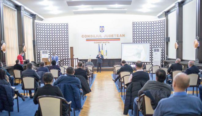 """Preşedintele CJC, Mihai Lupu, prima întâlnire cu primarii. """"Vrem să dezvoltăm judeţul Constanţa"""" - fondcjcmihailupuintalnireprimari-1610565009.jpg"""
