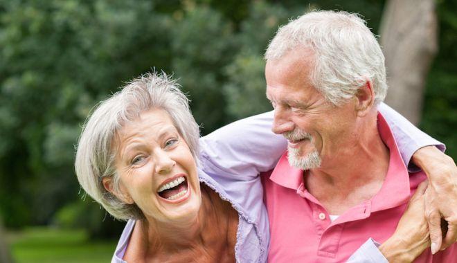 """Colesterolul mărit, o afecţiune """"la modă"""", dar periculoasă. Când trebuie să mergem la doctor - fondcolesterol2-1623416834.jpg"""