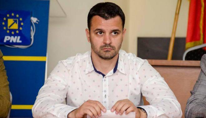 """Deputatul Marian Cruşoveanu, de la PNL Constanța, militează pentru """"Alternativa Techirghiol"""" - fondcrusoveanudrum-1626879794.jpg"""