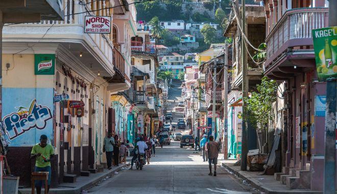 """Mărturii din misiunea Haiti. """"Toată lumea avea arme, ieșeam pe stradă numai cu vestă antiglonț!"""" - fonddimahaiti13oct1-1602607016.jpg"""