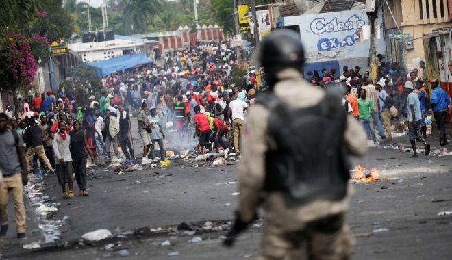 """Mărturii din misiunea Haiti. """"Toată lumea avea arme, ieșeam pe stradă numai cu vestă antiglonț!"""" - fonddimahaiti13oct3-1602607043.jpg"""