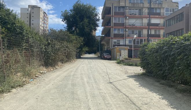 """Se asfaltează drumurile în cartierul """"Universitate""""? """"În sfârşit, intrăm în rândul lumii!"""" - fonddrumuriasfaltate2print-1630951641.jpg"""