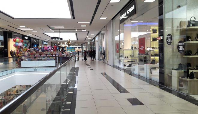 """Mall-urile pun lacătul pe uşă în weekend. """"Închiderea asta ar putea însemna falimentul!"""" - fondmallprint2-1605895435.jpg"""