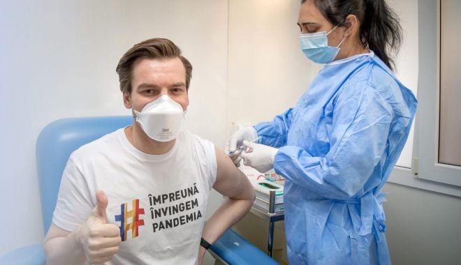 """Se pot vaccina pacienţii în cabinetele medicilor de familie? """"Fiecare doctor va lua propria decizie"""" - fondmedici-1618594128.jpg"""