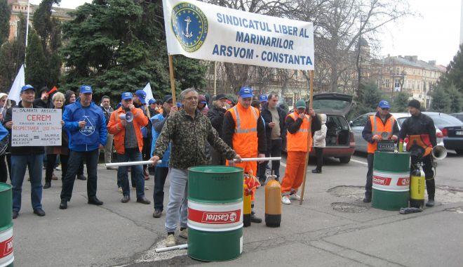Mișcarea sindicală a declanșat războiul național și internațional pentru salvarea ARSVOM! - fondmiscareasindicalaadeclansatr-1626625324.jpg