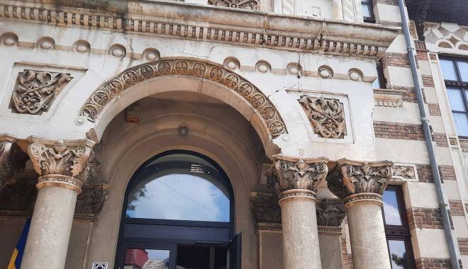Crăpături tot mai adânci pe pereții Muzeului de Artă Populară. Când va fi ștearsă povara anilor? - fondmuzeu2-1625771935.jpg