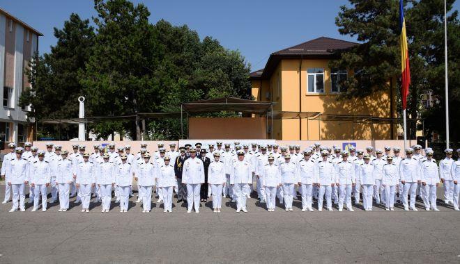 """O nouă promoţie de absolvenţi la Academia Navală. """"Am fost o generaţie norocoasă!"""" - fondonouapromotie6-1627581655.jpg"""