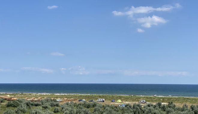 Plajele sălbatice din Corbu şi Vadu, fără salvamari, dar pline de turişti - fondplajelesalbatice1-1627582957.jpg