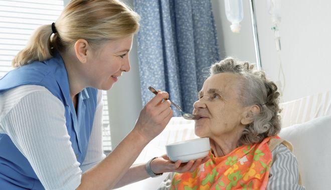 Veste bună: îngrijire la domiciliu pentru bătrânii singuri și neputincioși - fondpremieraingrijire22-1626461412.jpg