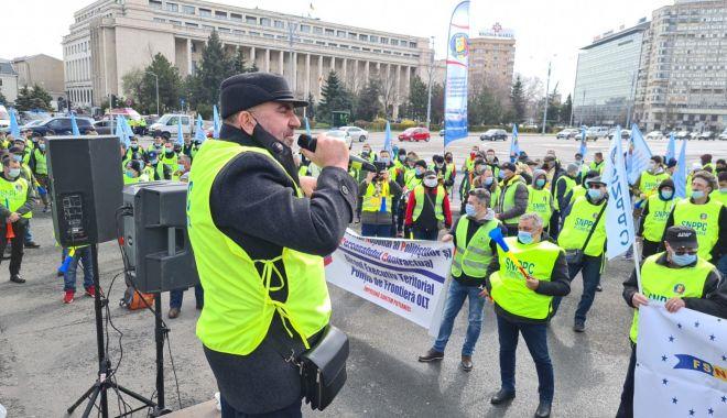 Mișcarea sindicală acuză Guvernul că pune în pericol raporturile de muncă și protecția socială a lucrătorilor - fondprintmiscareasindicalaacuzag-1619442772.jpg