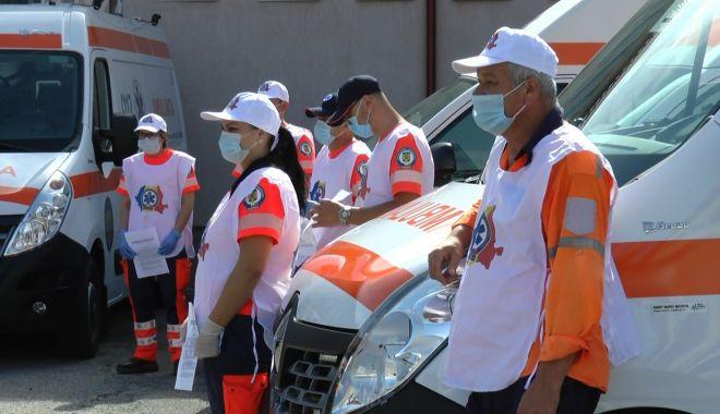 """Foto: Strigăt de ajutor al eroilor de pe ambulanțe: """"Ne-ați jertfit și ne-ați mințit!"""""""